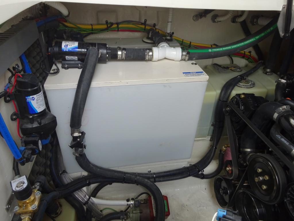 Um tanque extra de diesel para alimentar o gerador é uma saída eficaz para barcos a gasolina