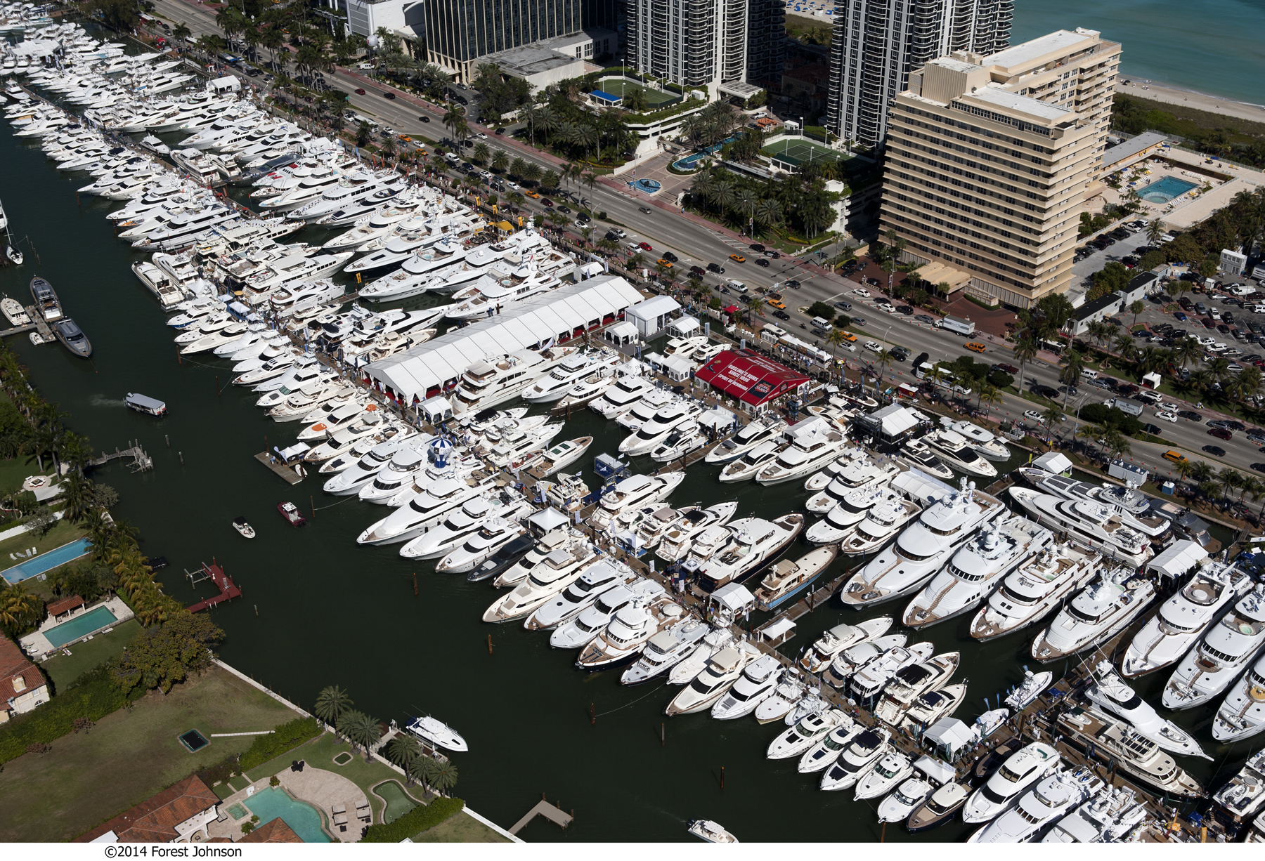 yachts-miami-beach