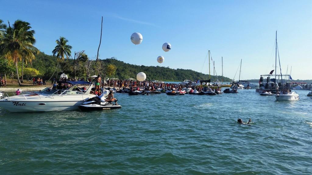 Marina Boat Day acontece na ilha de Bimbarras, na Bahia durante o final de semana