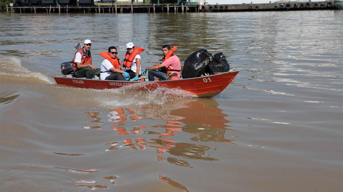 Marina Itajaí será ponto de encontro do mutirão de limpeza do Rio Itajaí neste sábado