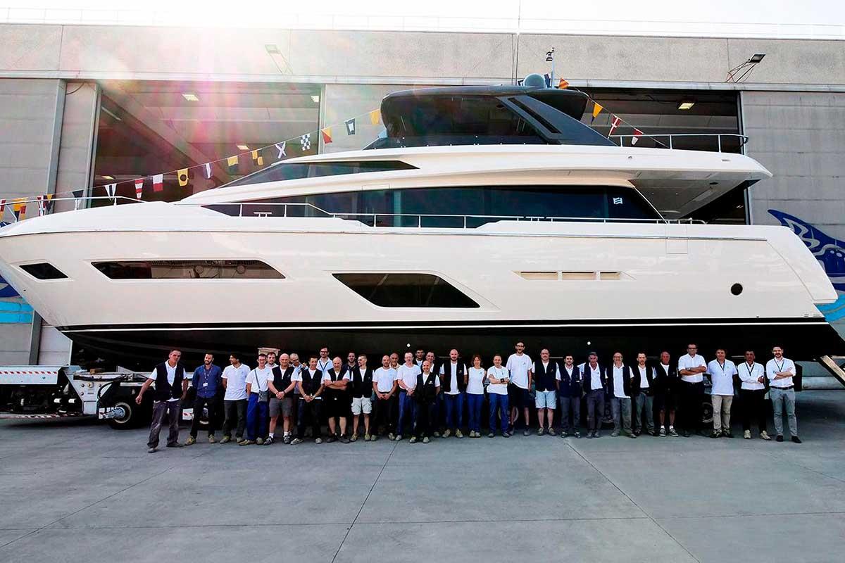 Ferretti-Yacht-780-Lançamento-Boat-Shopping
