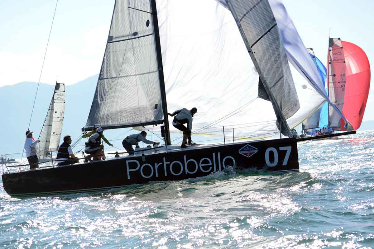 Classe c30 katana se destaca na semana de vela de ilhabela - boat shopping