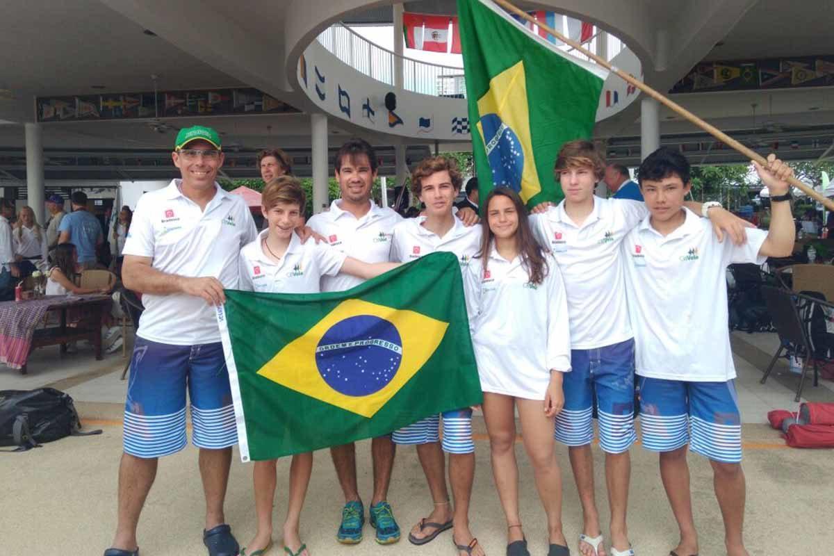 Equipe brasileira no mundial de OPTIMIST 2