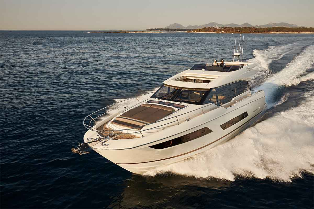 Prestige 680 S - boat shopping