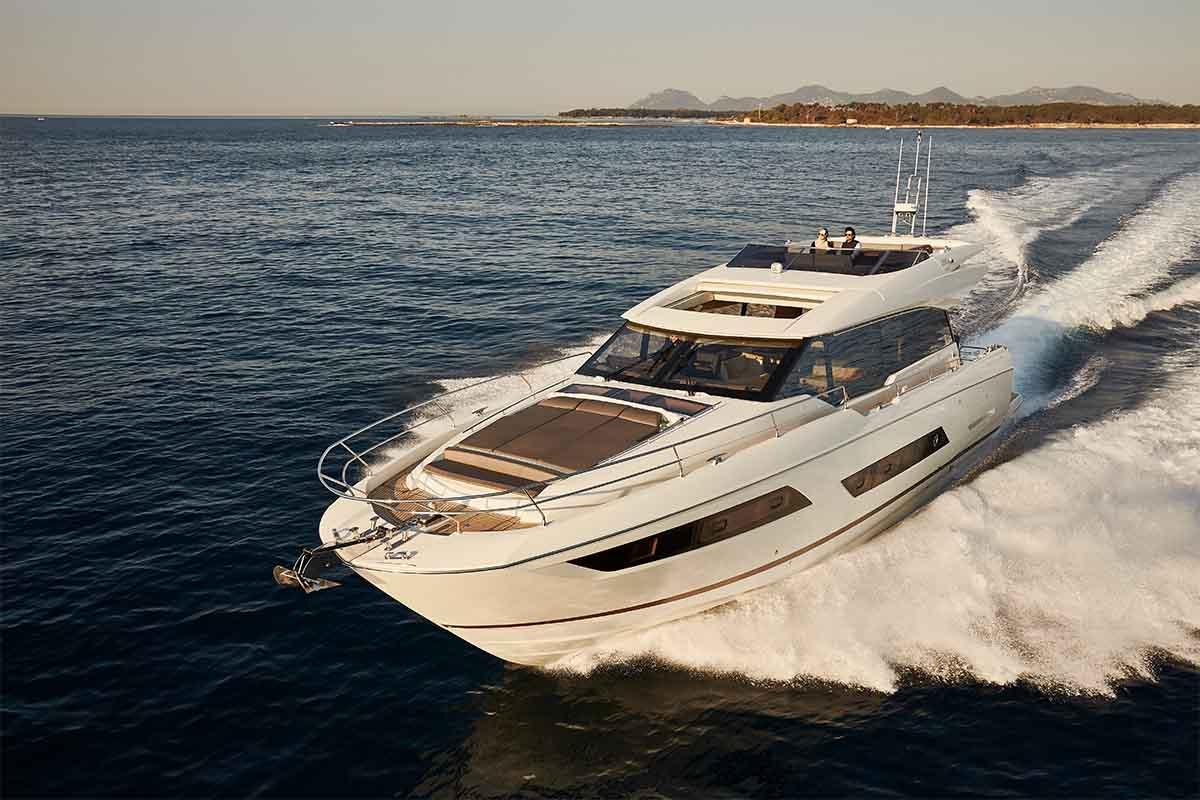 Prestige 680 S - boat shopping