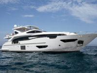 Azimut-yachts-no-Cannes-Yachting-Festival-boatshopping