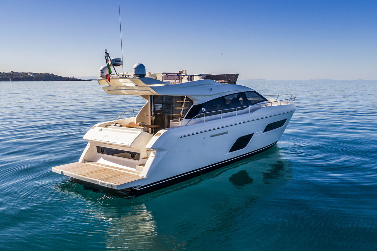 Ferretti-550-restyling-boatshopping