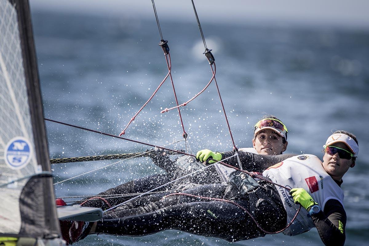 Martine-Grael-e-Kahena-Kunze-podio-boatshopping