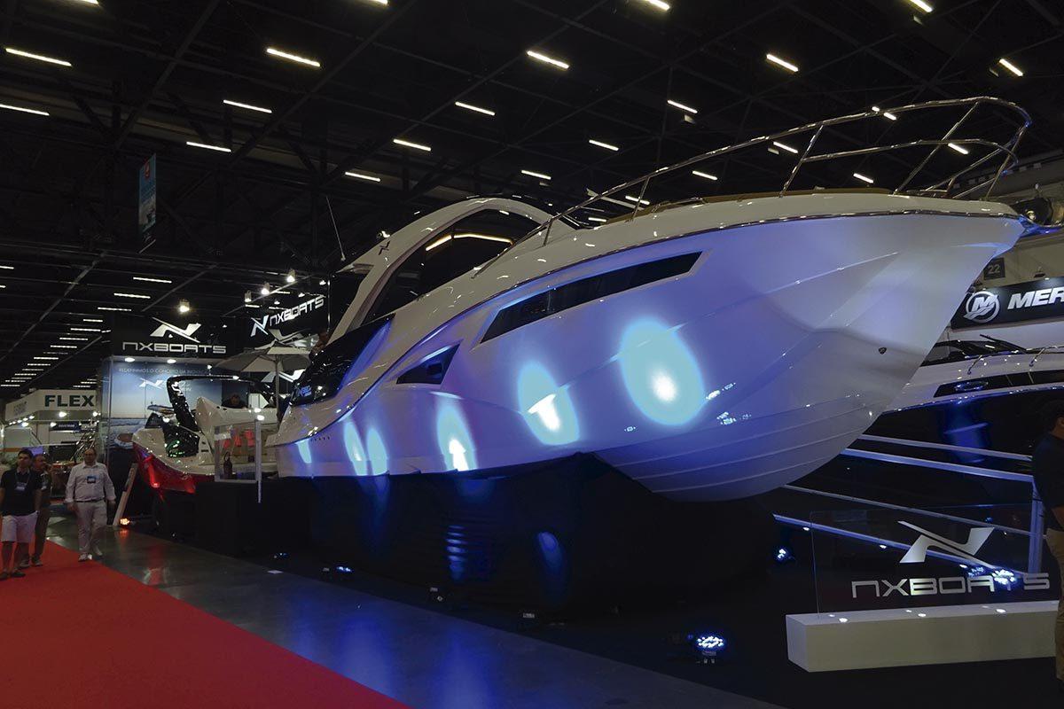 NX 380 HT - boat shopping (1)