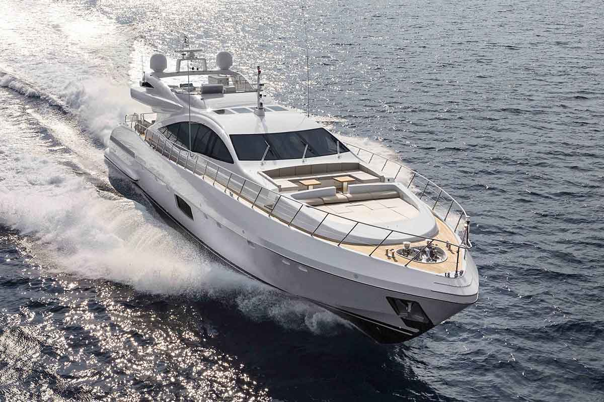 Mangusta-anuncia-a-venda-de-mais-uma-Maxi-Open-110-boatshopping