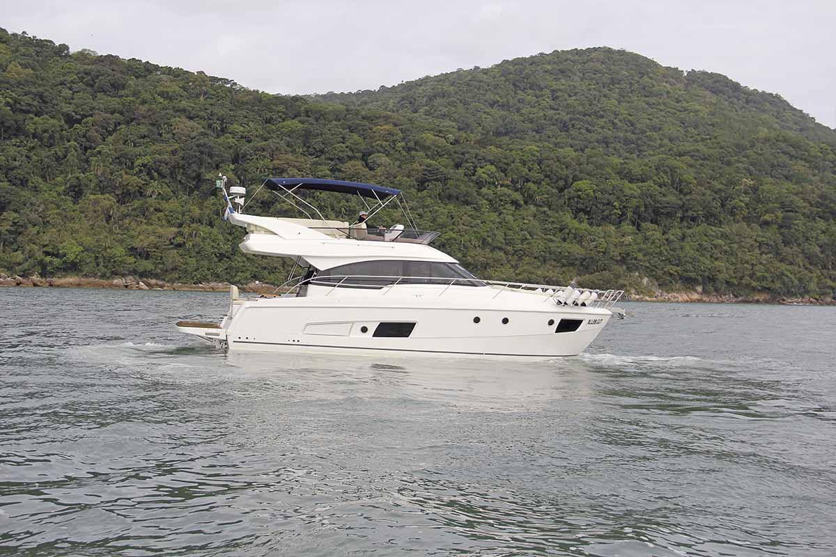 bavaria virtress 420 fly - boat shopping (1)