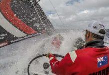 Volvo-Ocean-Race-homem-ao-mar-velejador-resgatado-boatshopping