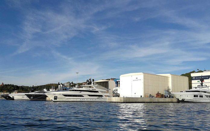 Baglietto-vende-iate-de-40-metros-boatshopping