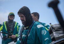 Volvo-Ocean-Race-Team-AkzoNobel-abre-vantagem-em-momento-decisivo-boatshopping