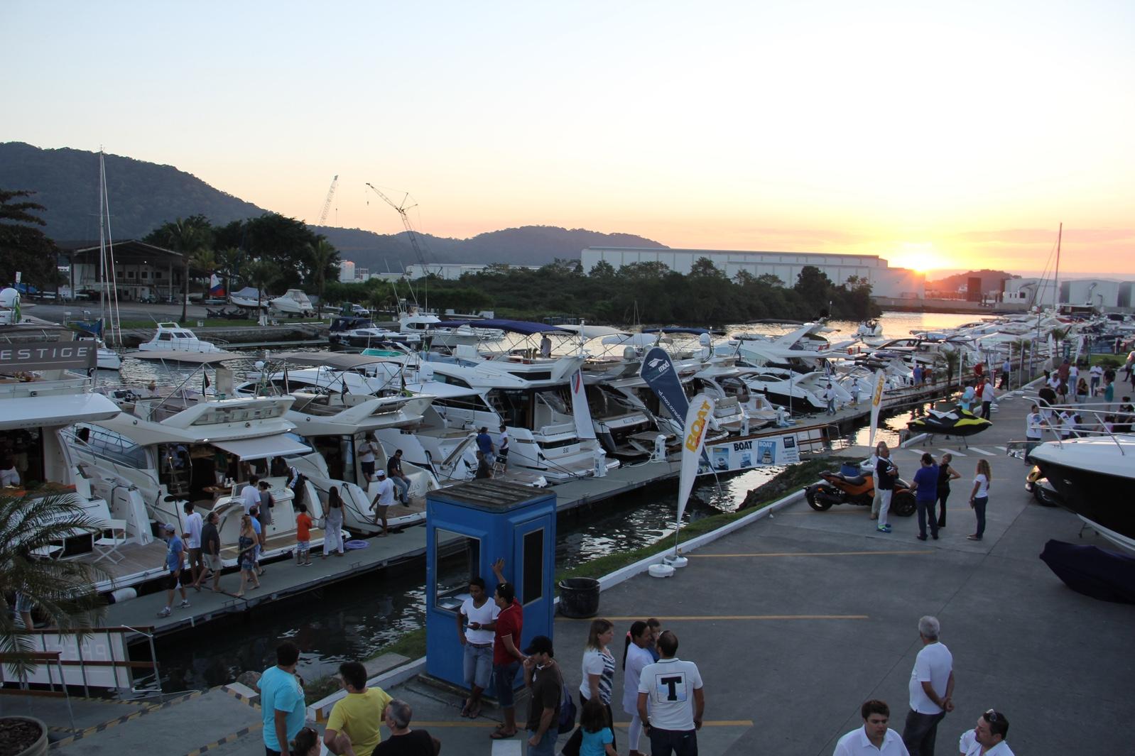 Boat shop online