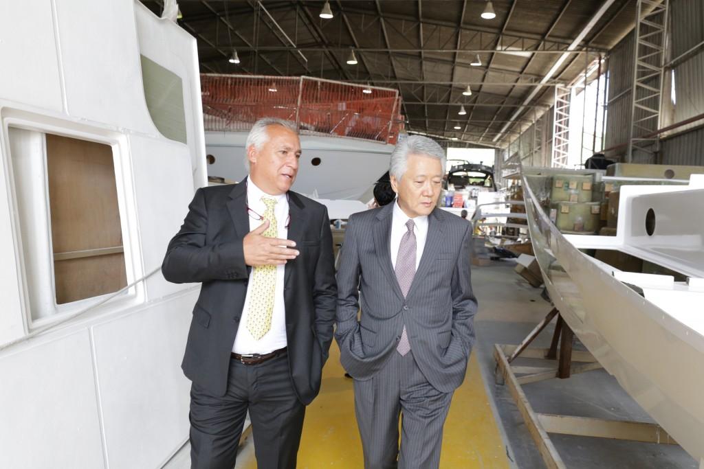 Marcio Schaefer (esquerda). Schaefer Yachts entrando no mercado asiático (Foto: Norton José)