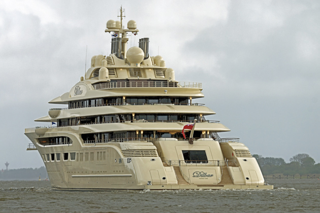 Worlds-largest-Yacht-Dilbar-5