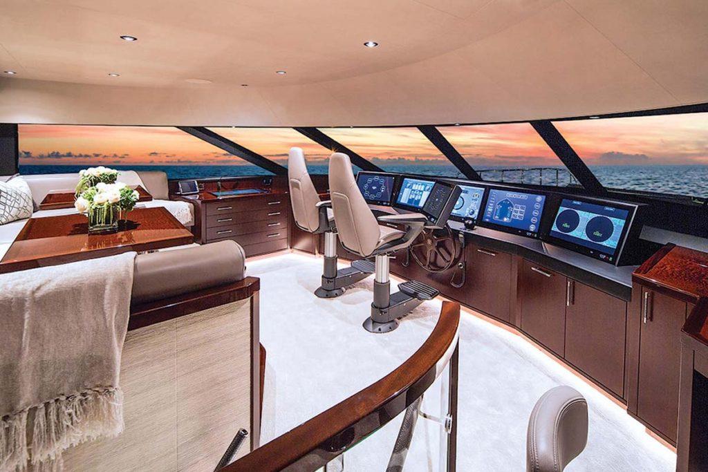 Westport 125 Superyacht Posto de Comando