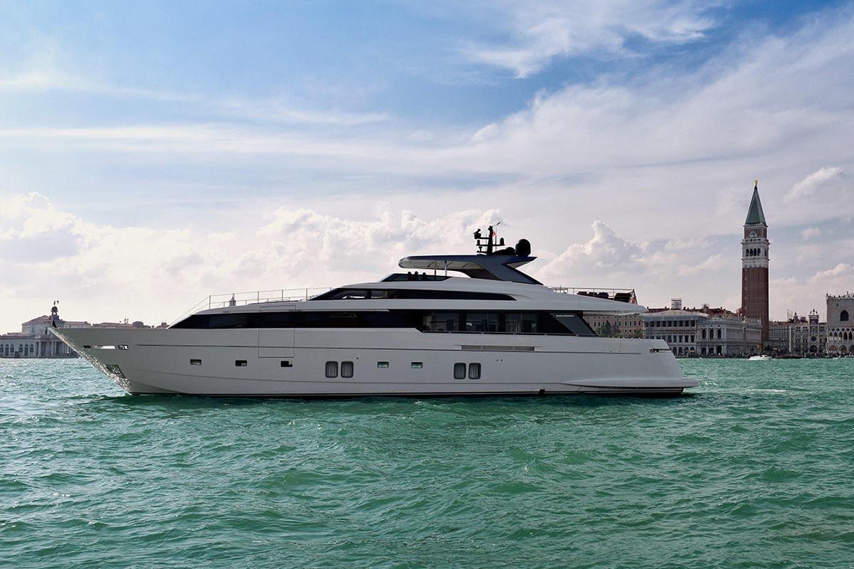 Sanlorenzo-SL118-yacht-Haiia-at-Venice-biennale