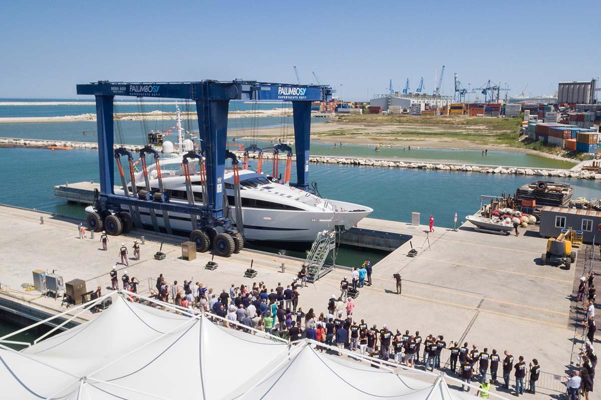 Superiate ISA Sport 120 Clorinda ISA Yachts - Boat Shopping