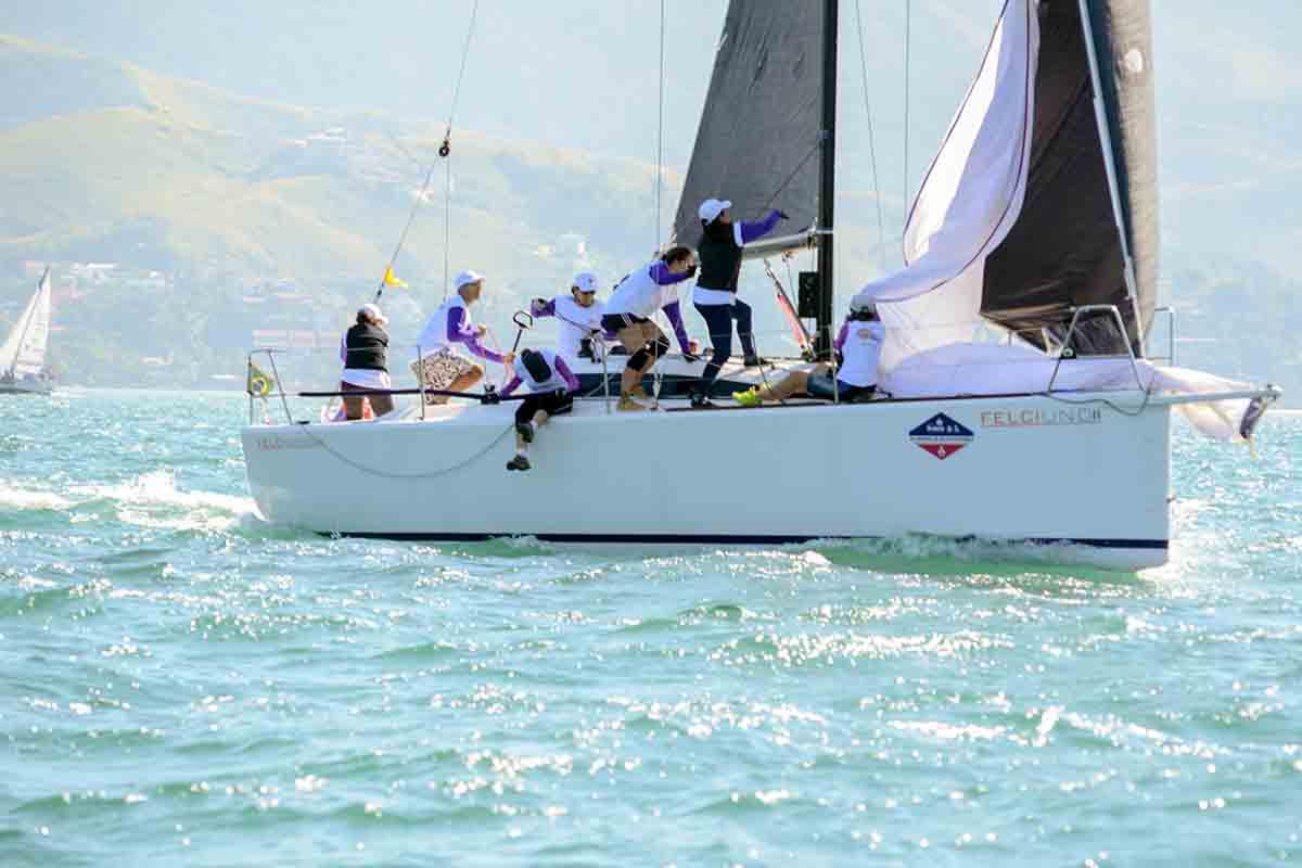 mulheres se destacam na semana de vela de ilhabela - boat shopping