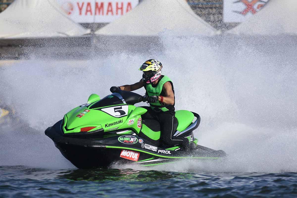 erik teixeira jet sports contest - boat shopping