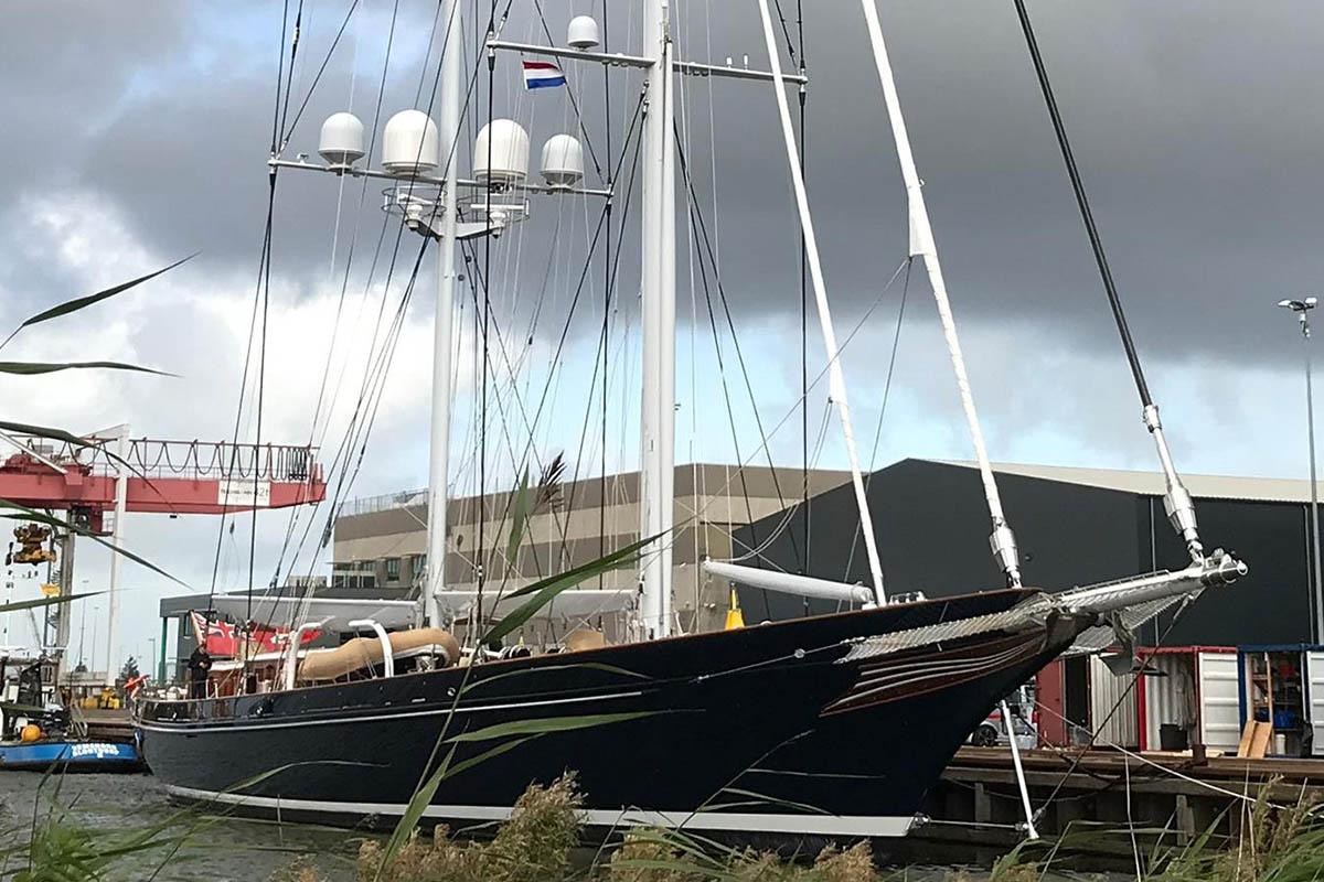 Meteor-retorna-Royal-Huisman-para-refit-de-inverno-boatshopping