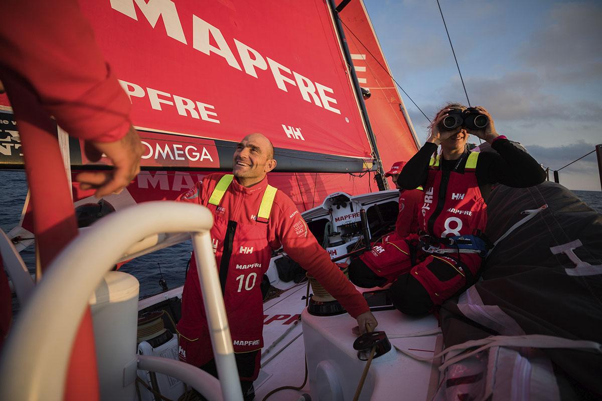 Team-Mapfre-vence-Prologue-Leg-da-Volvo-Ocean-Race-boatshopping