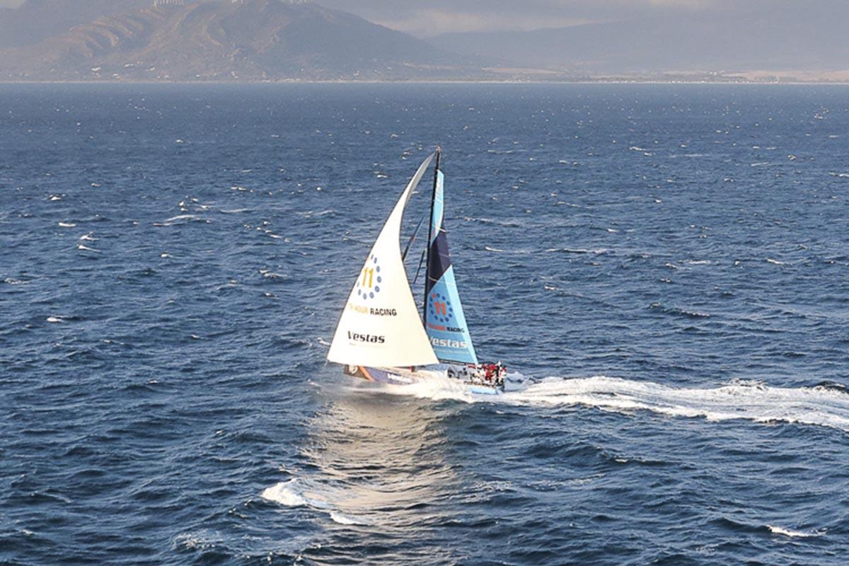 Vestas-11th-Hour-Racing-com-vantagem-na-abertura-da-Volvo-Ocean-Race-boatshopping
