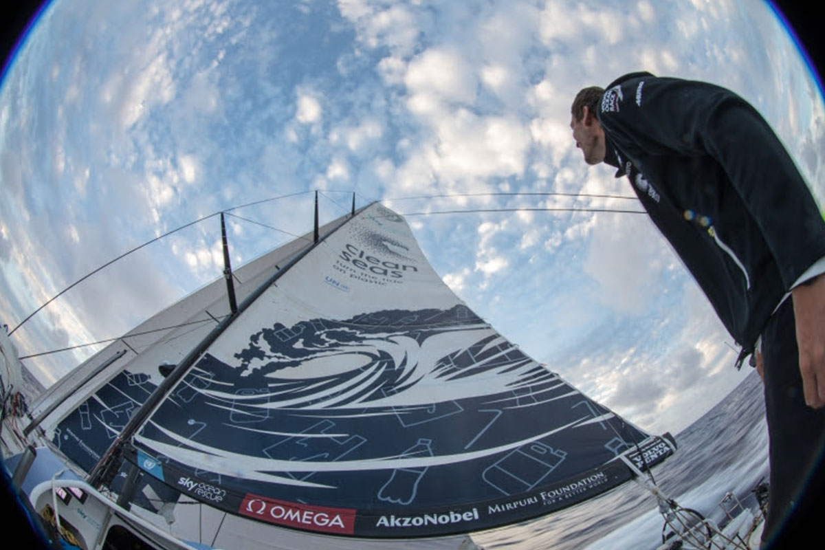 Volvo-Ocean-Race-As-24-horas-cruciais-da-Perna-2-boatshopping