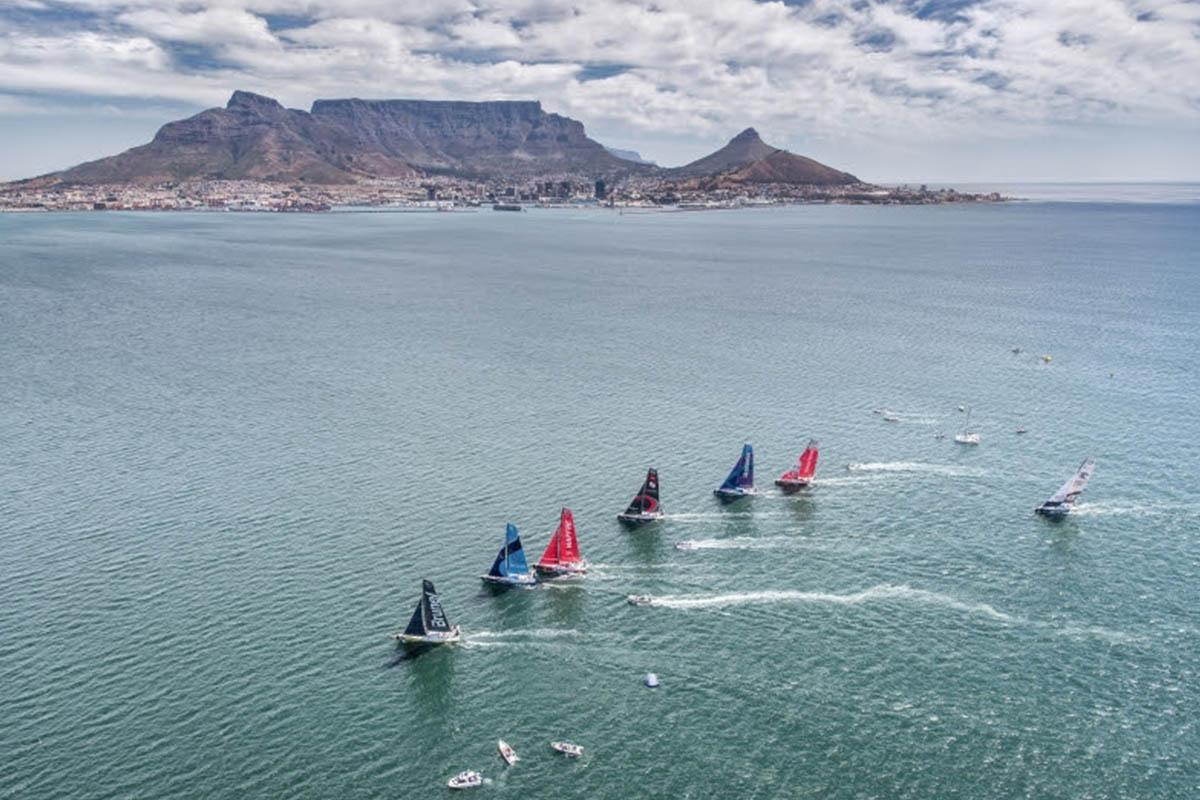 Times-da-Volvo-Ocean-Race-preparados-para-a-regata-no-porto-da-Cidade-do-Cabo-boatshopping