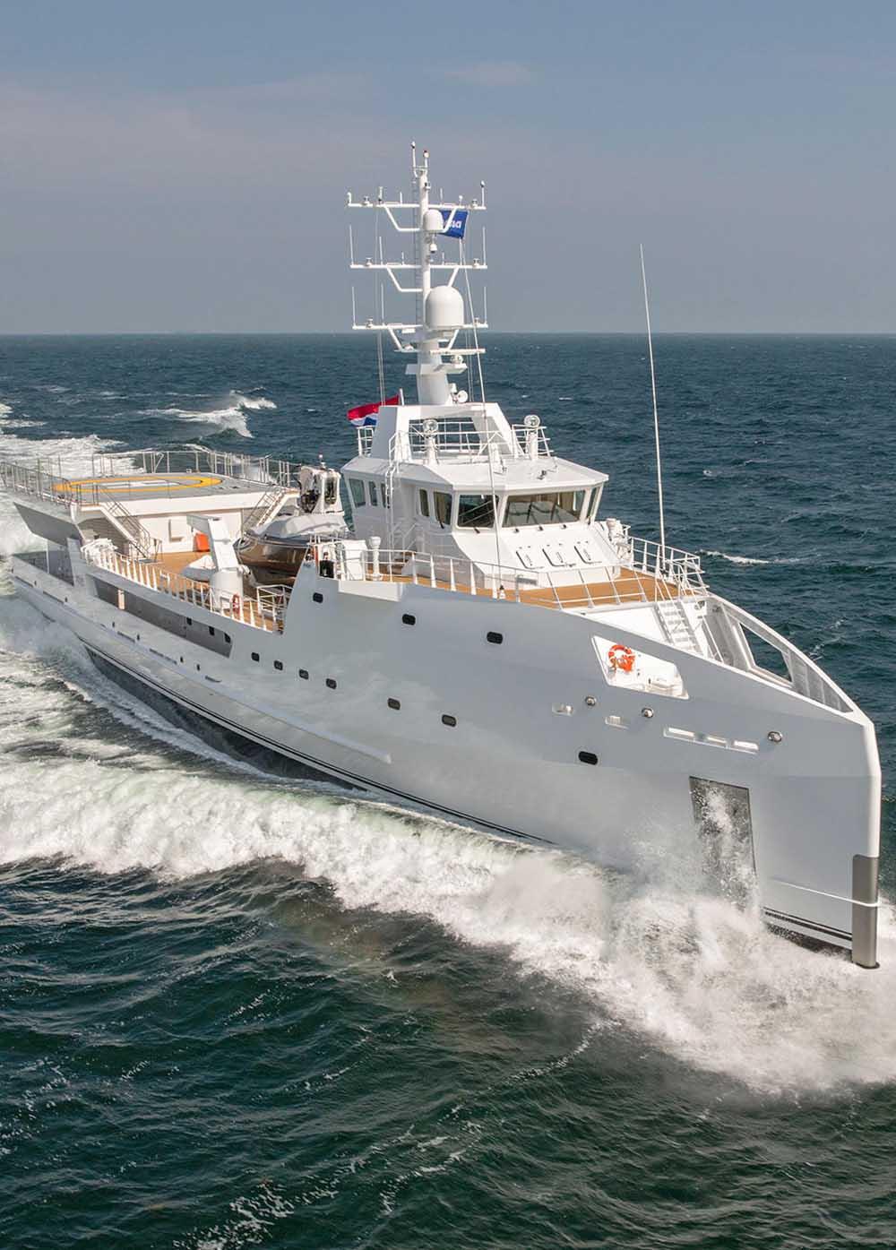 Damen-vende-iate-de-suporte-Game-Changer-boatshopping