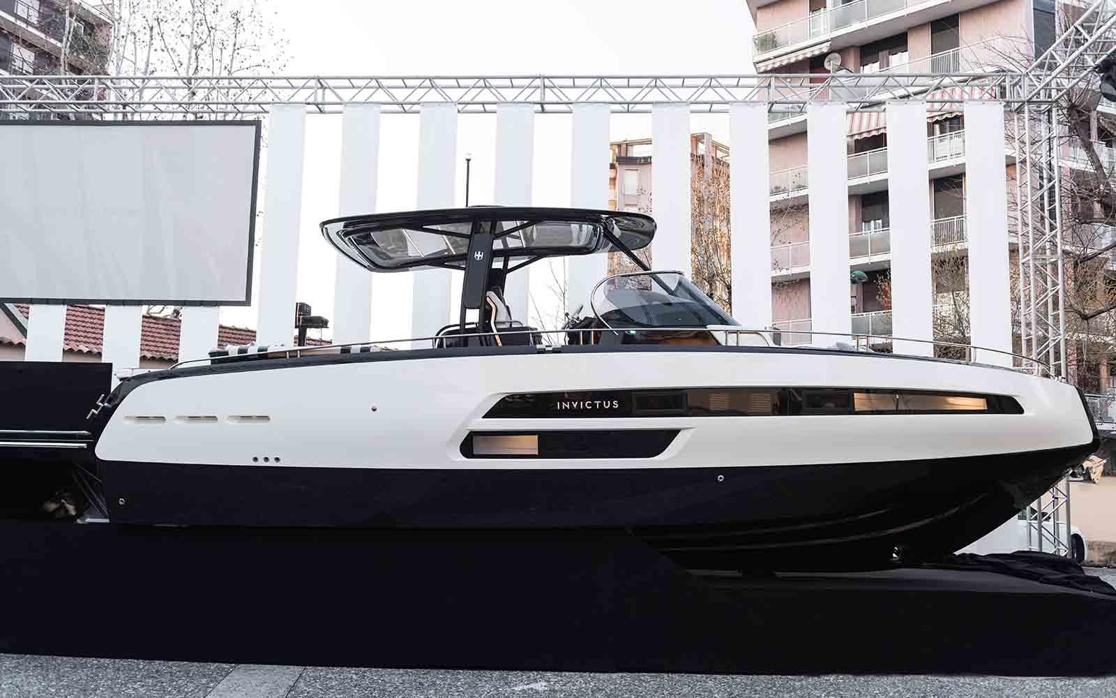 b4d6fd06b8e Invictus Yacht apresenta primeiras imagens de parceria com Anna ...
