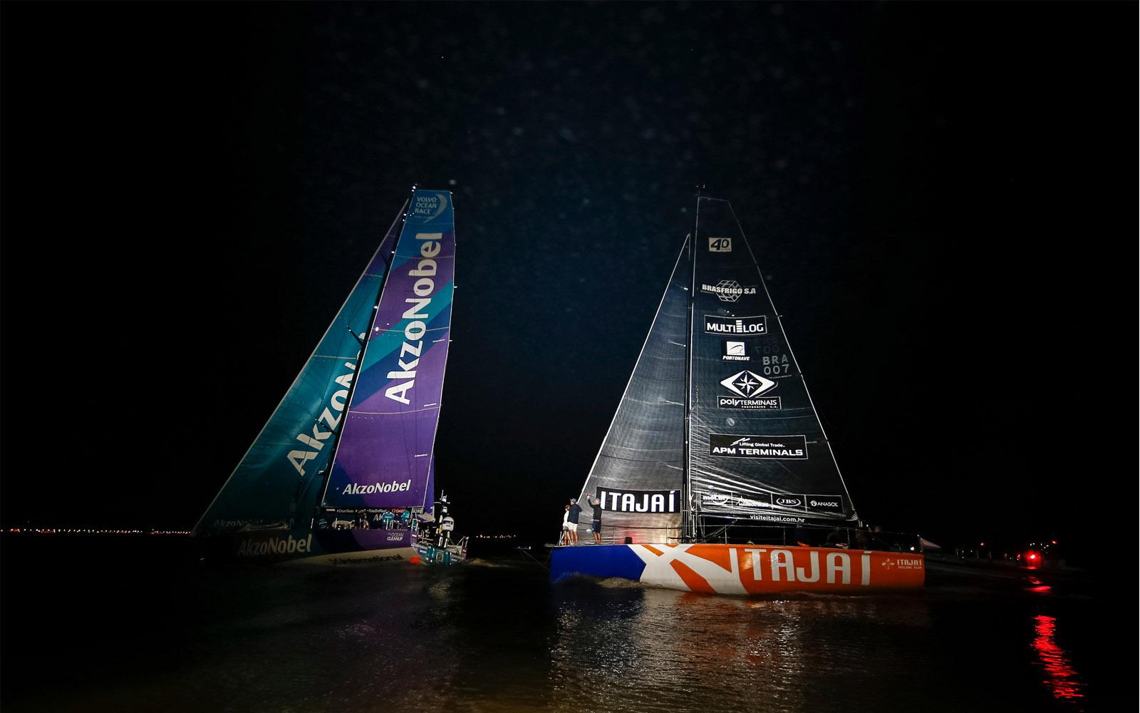 Martine Grael e team AkzoNobel chegam em terceiro no Brasil-boatshopping