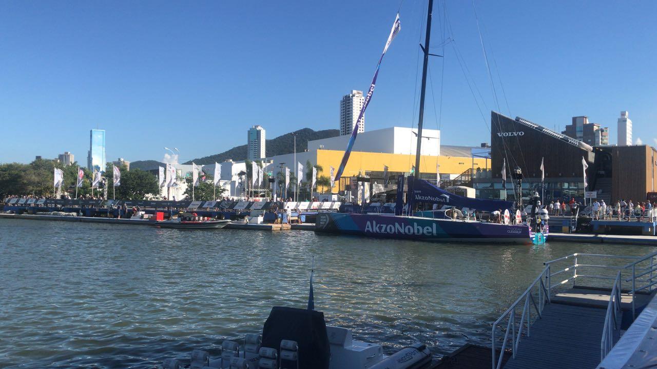 akzonobel na volvo ocean race - boat shopping