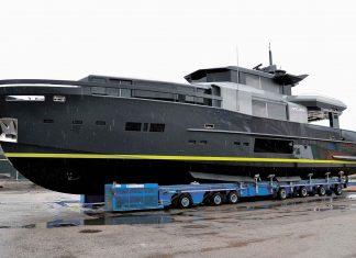 Arcadia-A105-01-boatshopping