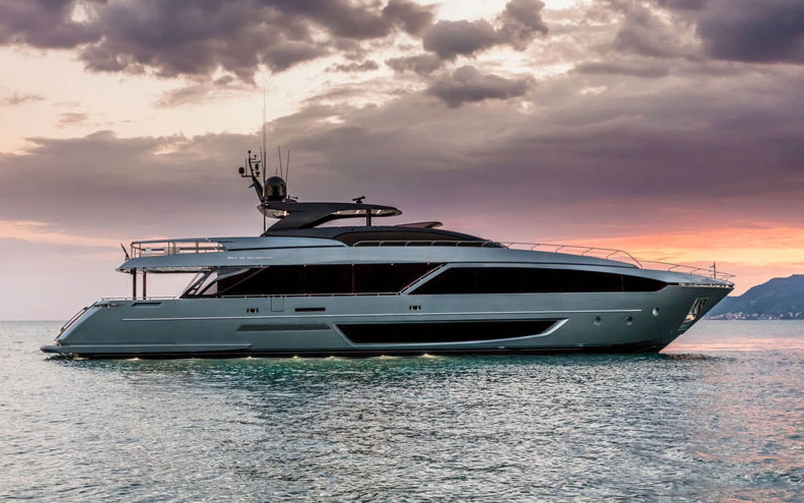 Confira o interior da nova Riva 110 Dolcevita-boatshopping