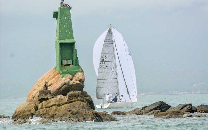 Ilhabela Cup- semana de vela de ilhabela-regata-edu_grigaitis-boat shopping