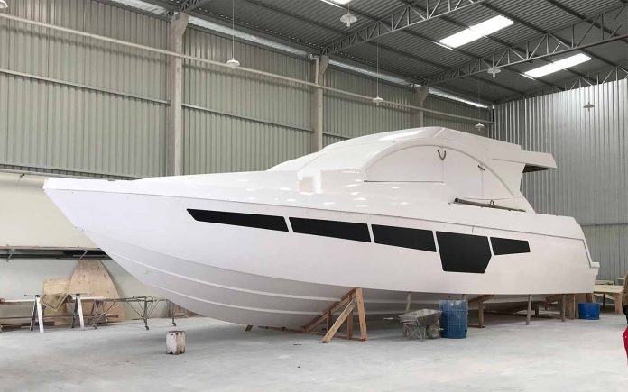 Top Line 560 Fly-01-boatshopping