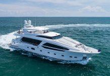 Horizon Yachts entrega primeiro superiate CC115-boatshopping