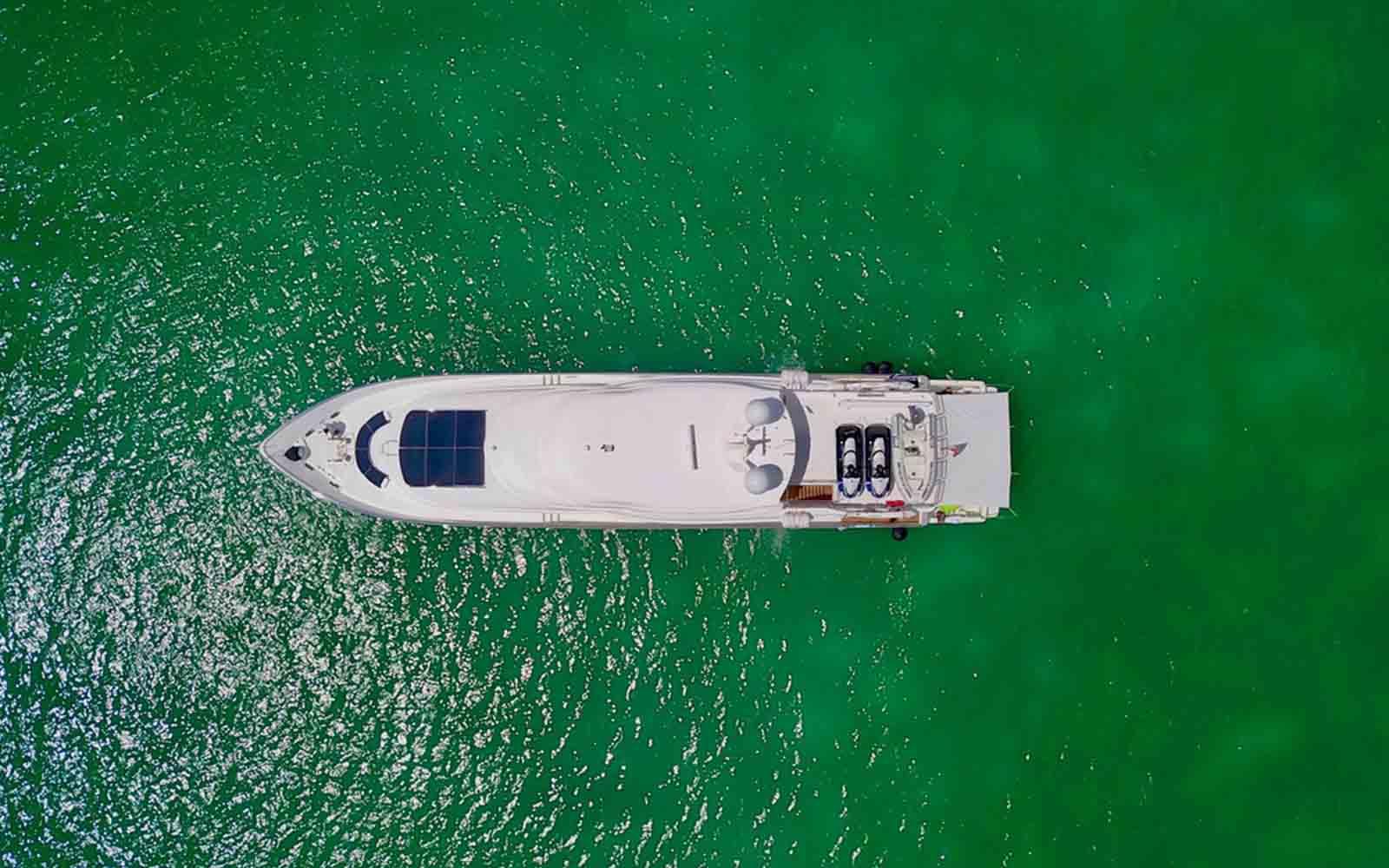 Johnson Yachts-Mitan-04-boatshopping