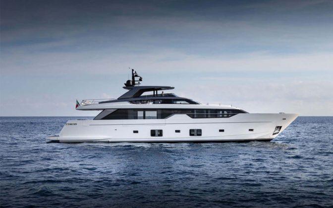 SL102-exterior-02-boatshopping