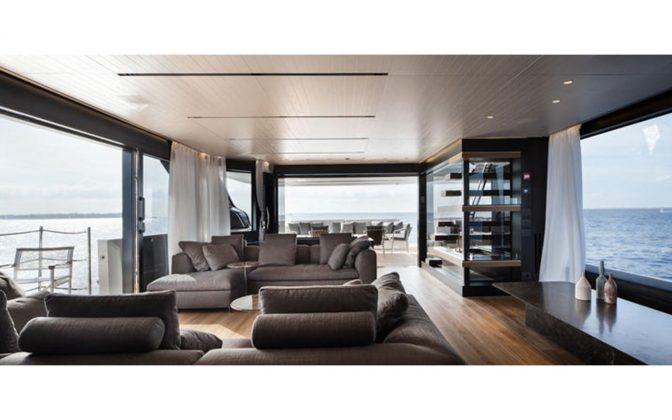 SL102-interior-02-boatshopping