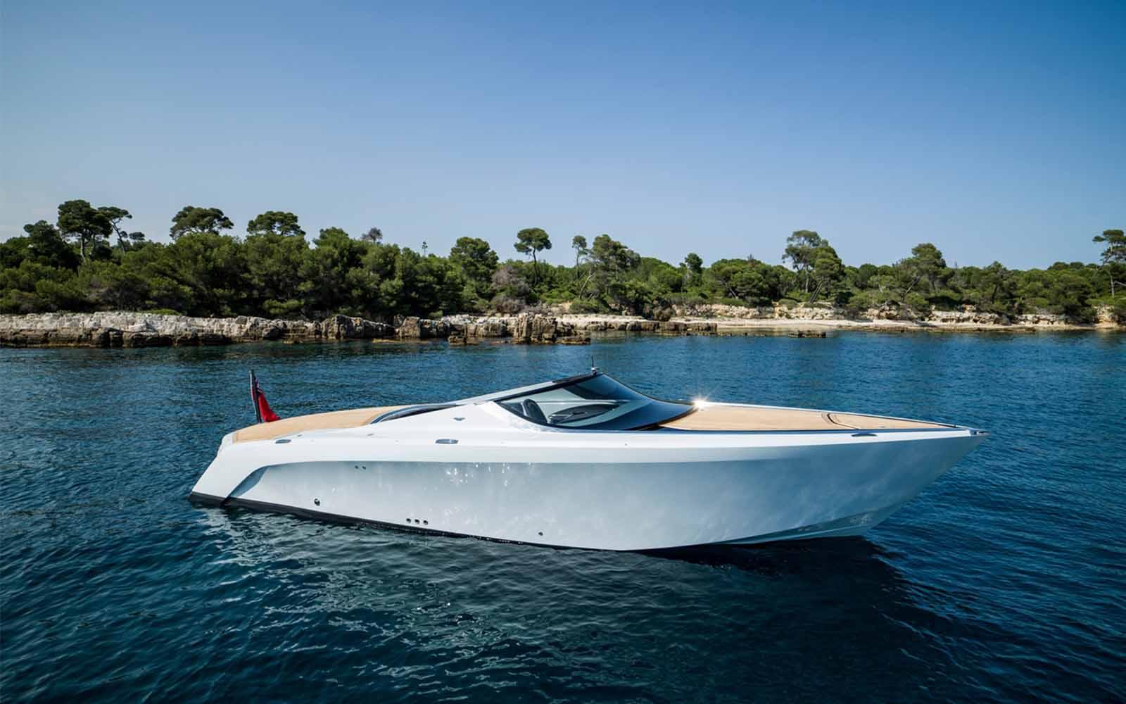 Aston Martin-AM37-01-boatshopping