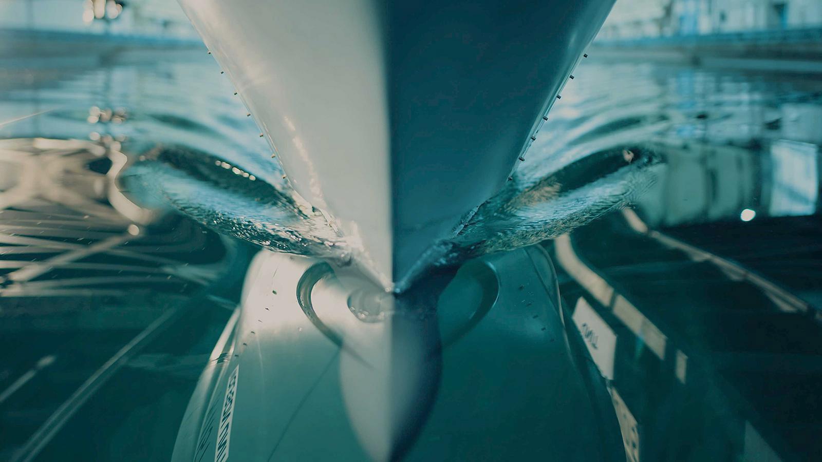 Heesen inicia testes de tanque do superiate Cosmos-boatshopping