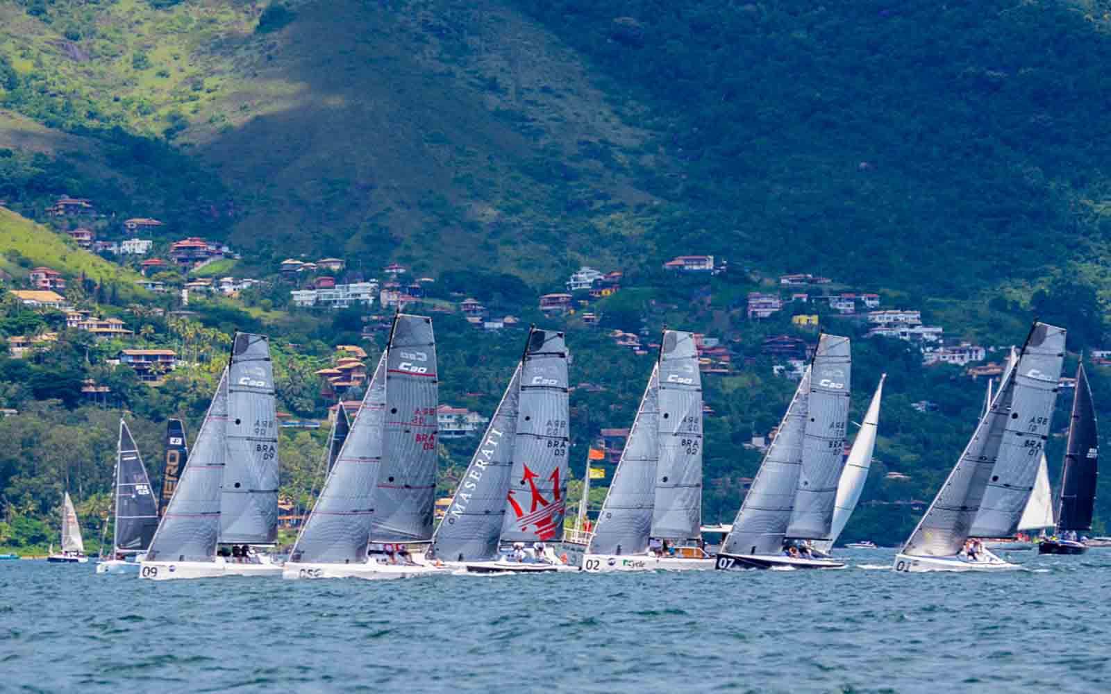 7d4bac9498 Classe C30 inicia temporada de oceano com três barcos vencedores em ...