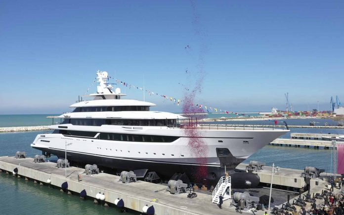 nova columbus classic 80 metros - boat shopping 11