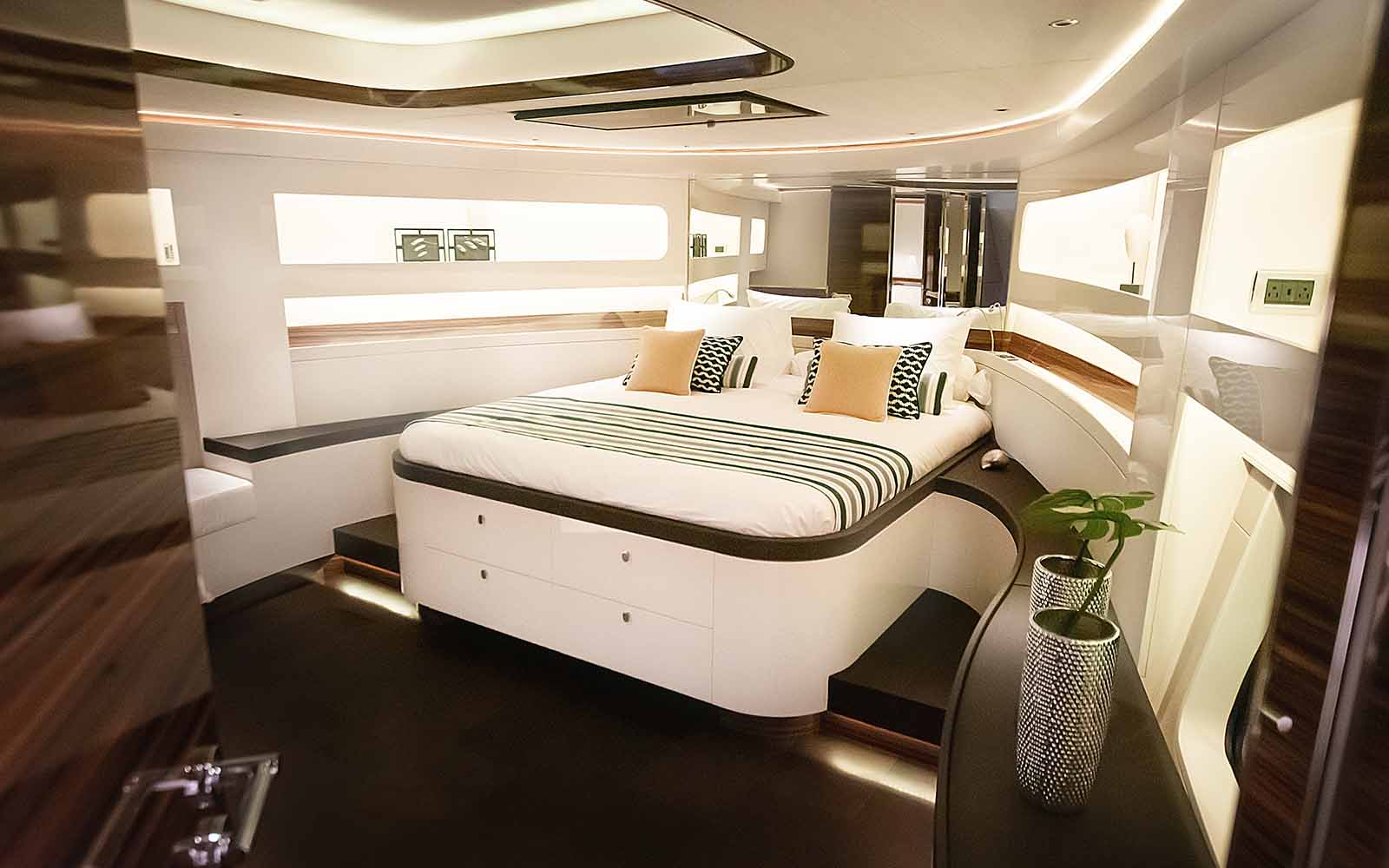 Cabine master Z72 Flagship - boat shopping