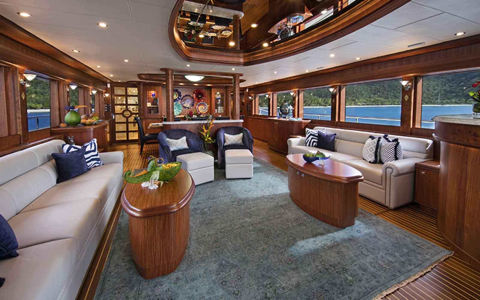 johnson 110 skylounge salao - boat shopping