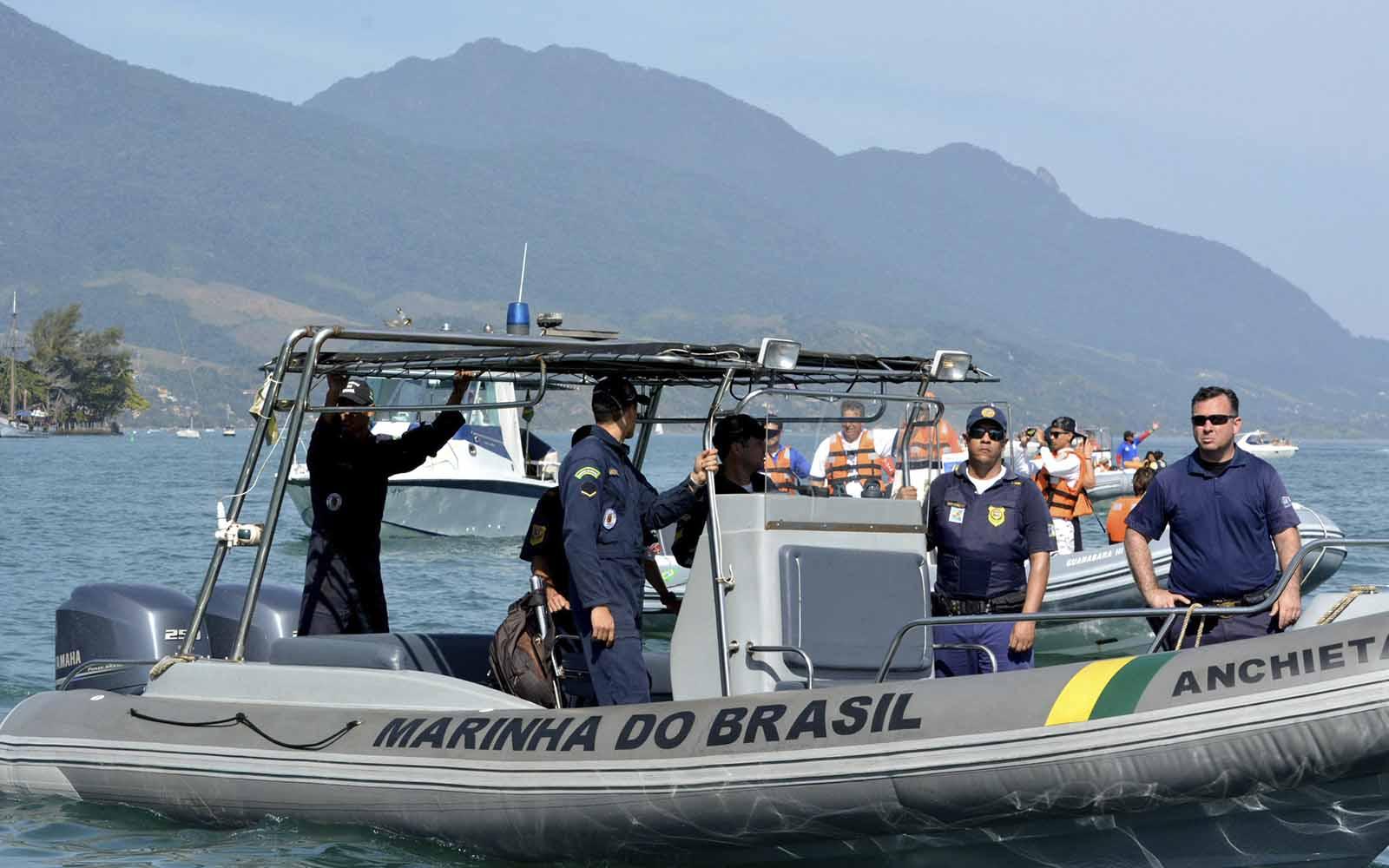 semana de vela de ilhabela marinha do brasil - boat shopping